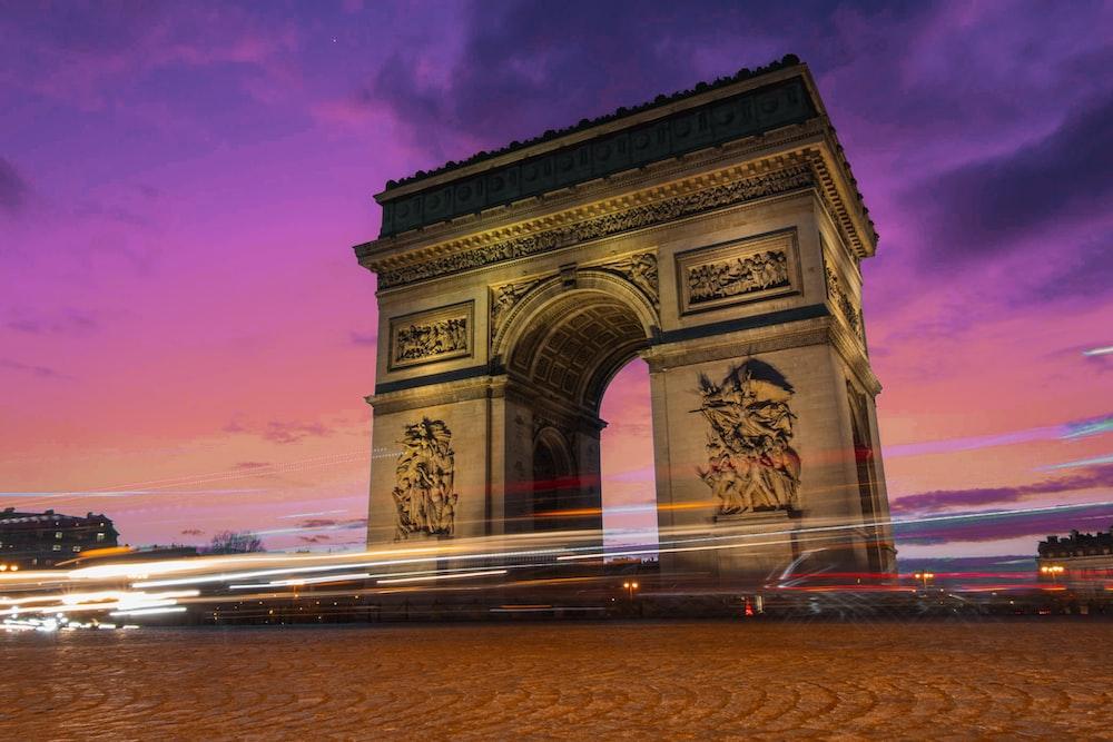arc de triomphe during dusk