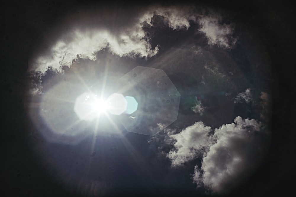 sun in the sky during daytime