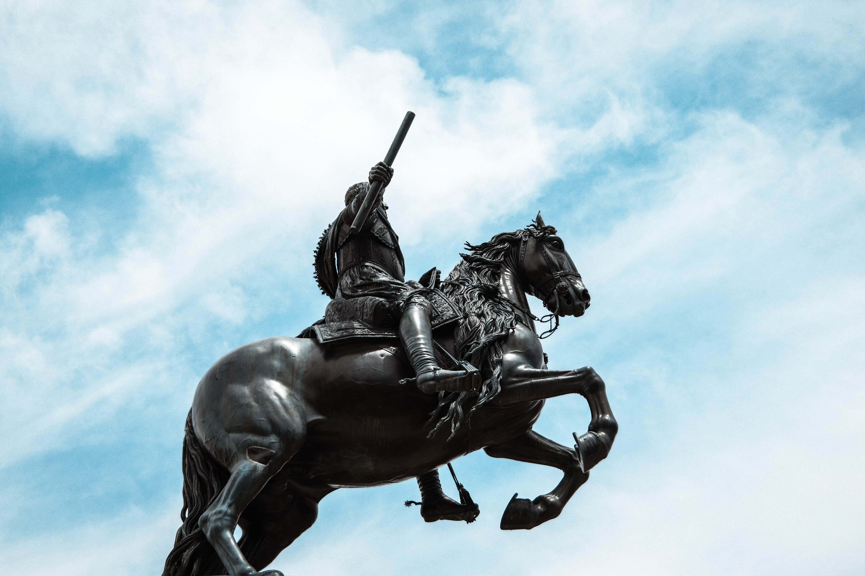 Madrid statue in Callao