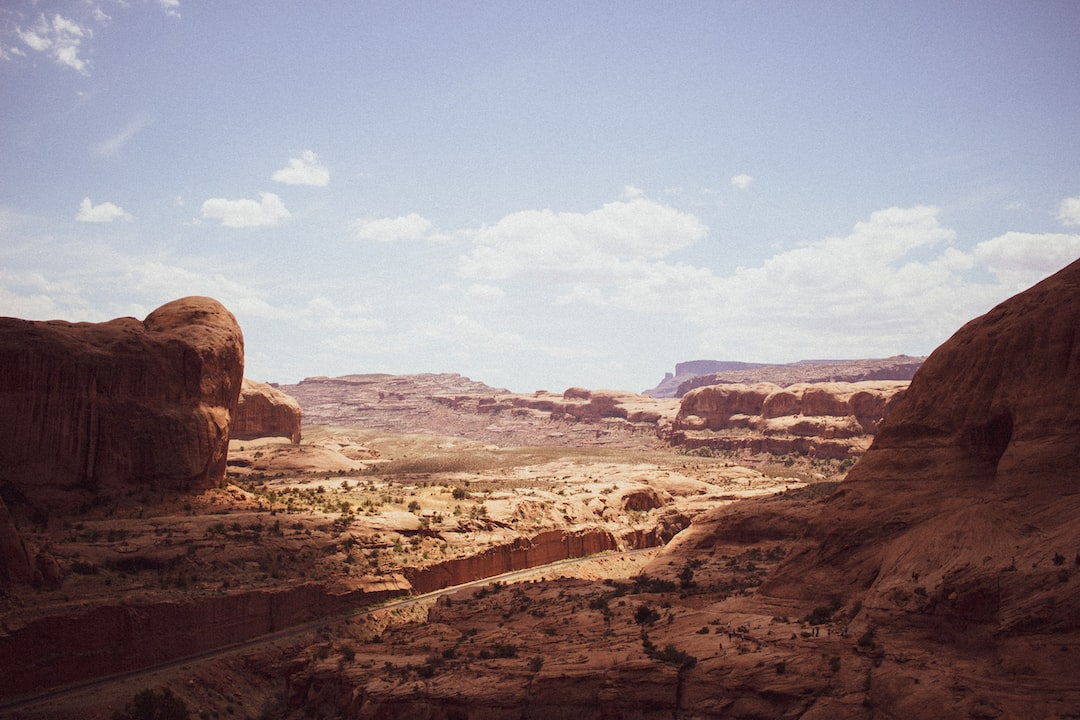 view from corona arch in Moab Utah