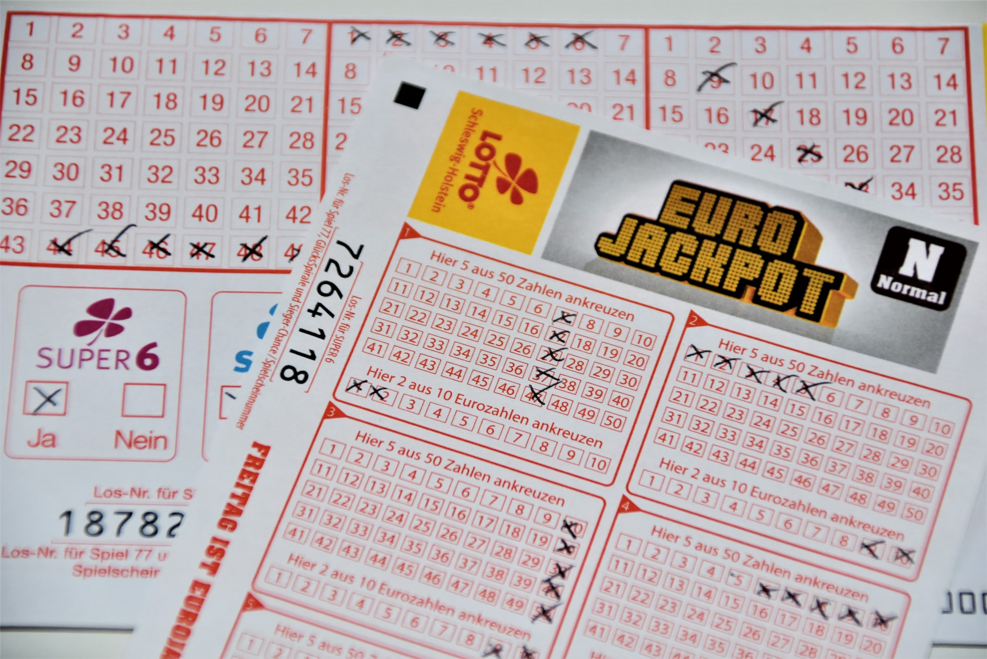 Euro Jackpot lottery, choose the right numbers