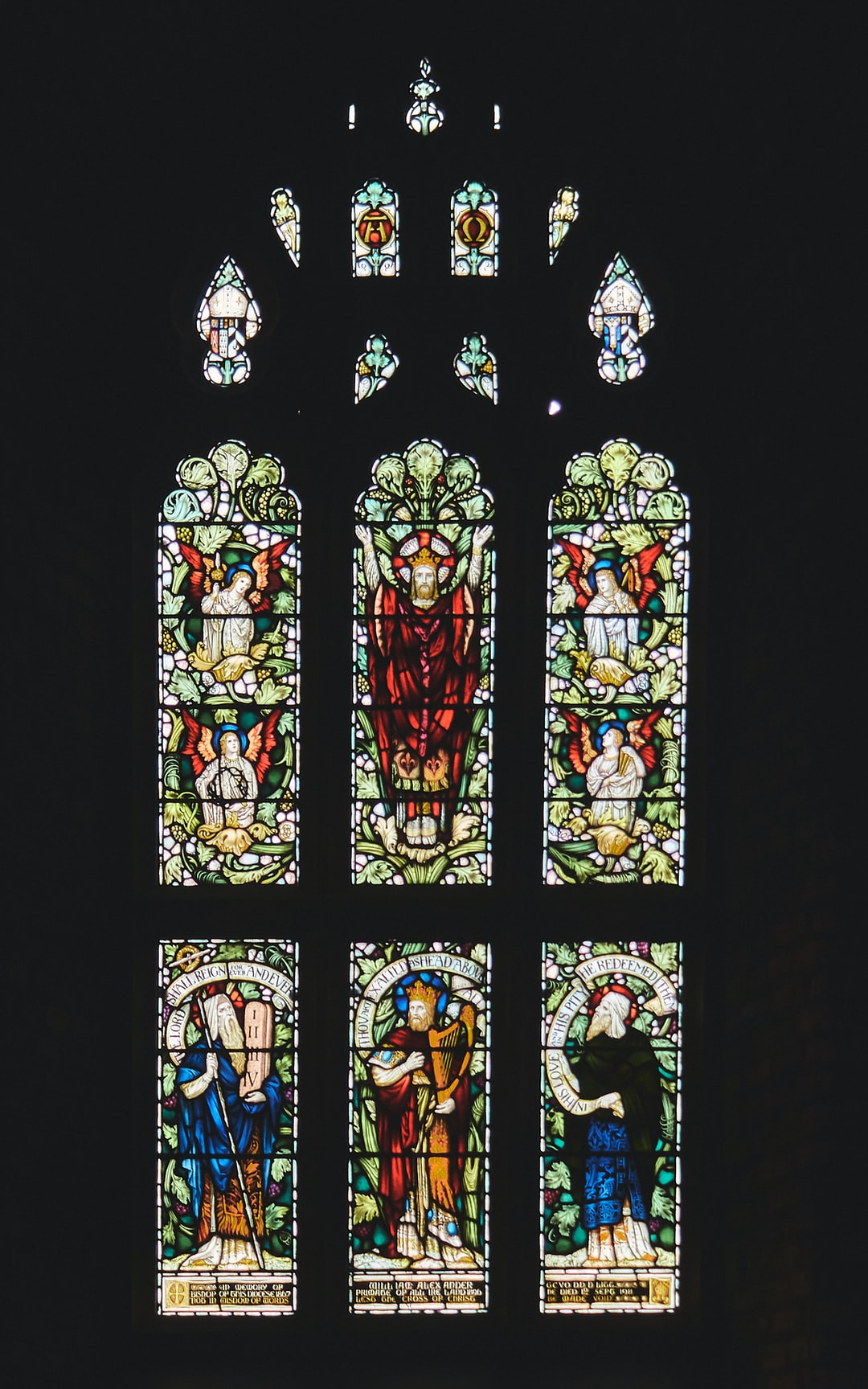 Stained-glass window in St. Columb's Cathedral in Londonderry, Northern Ireland (Nov., 2019)