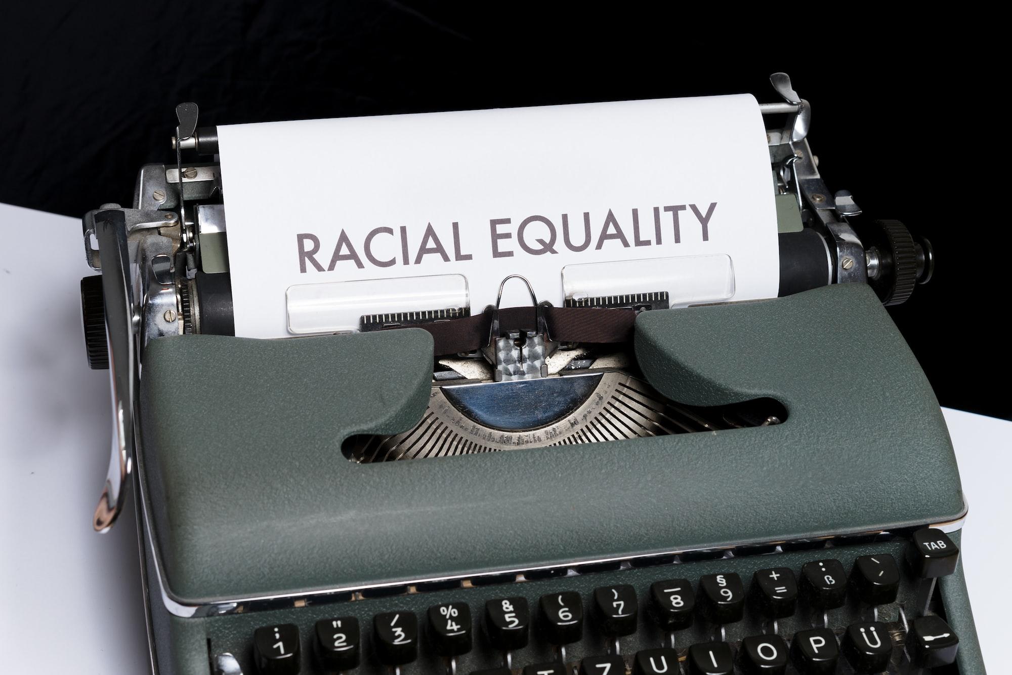 在美國不想遇到歧視? 亞裔不能再當乖乖牌