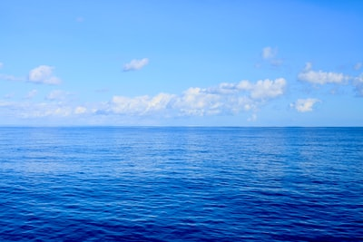 blue sea under blue sky during daytime great barrier reef zoom background