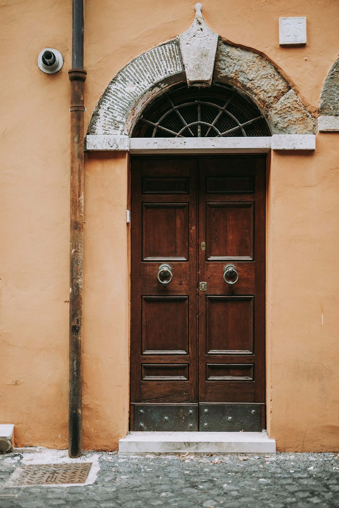 A door in Rome