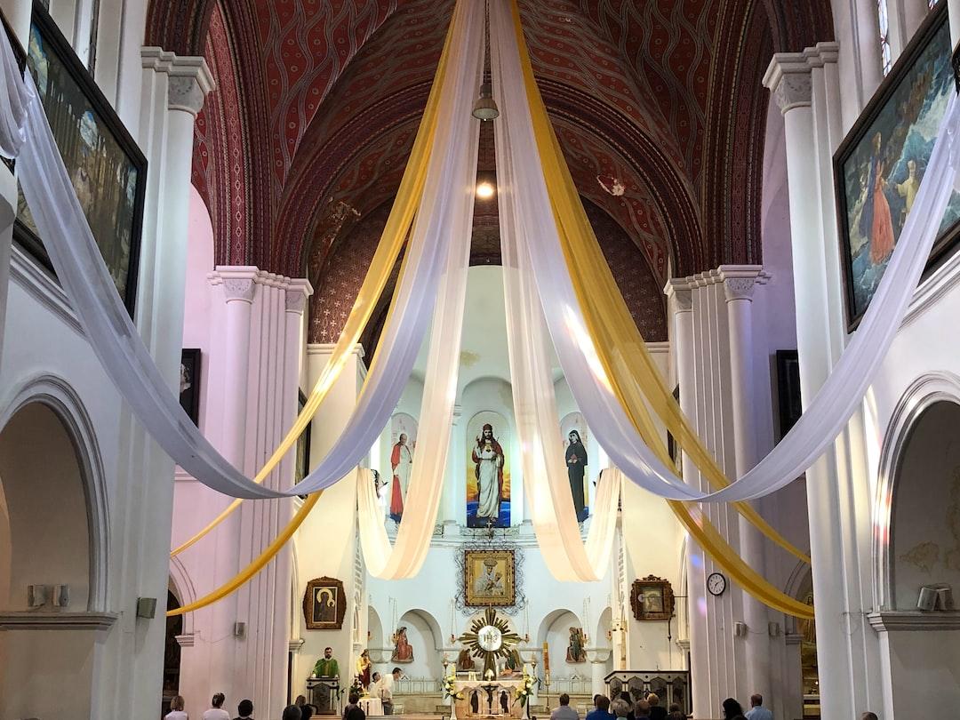 #church #redchurch #prayer #people #priest #god #jesus #ritual #yellow #white #religion