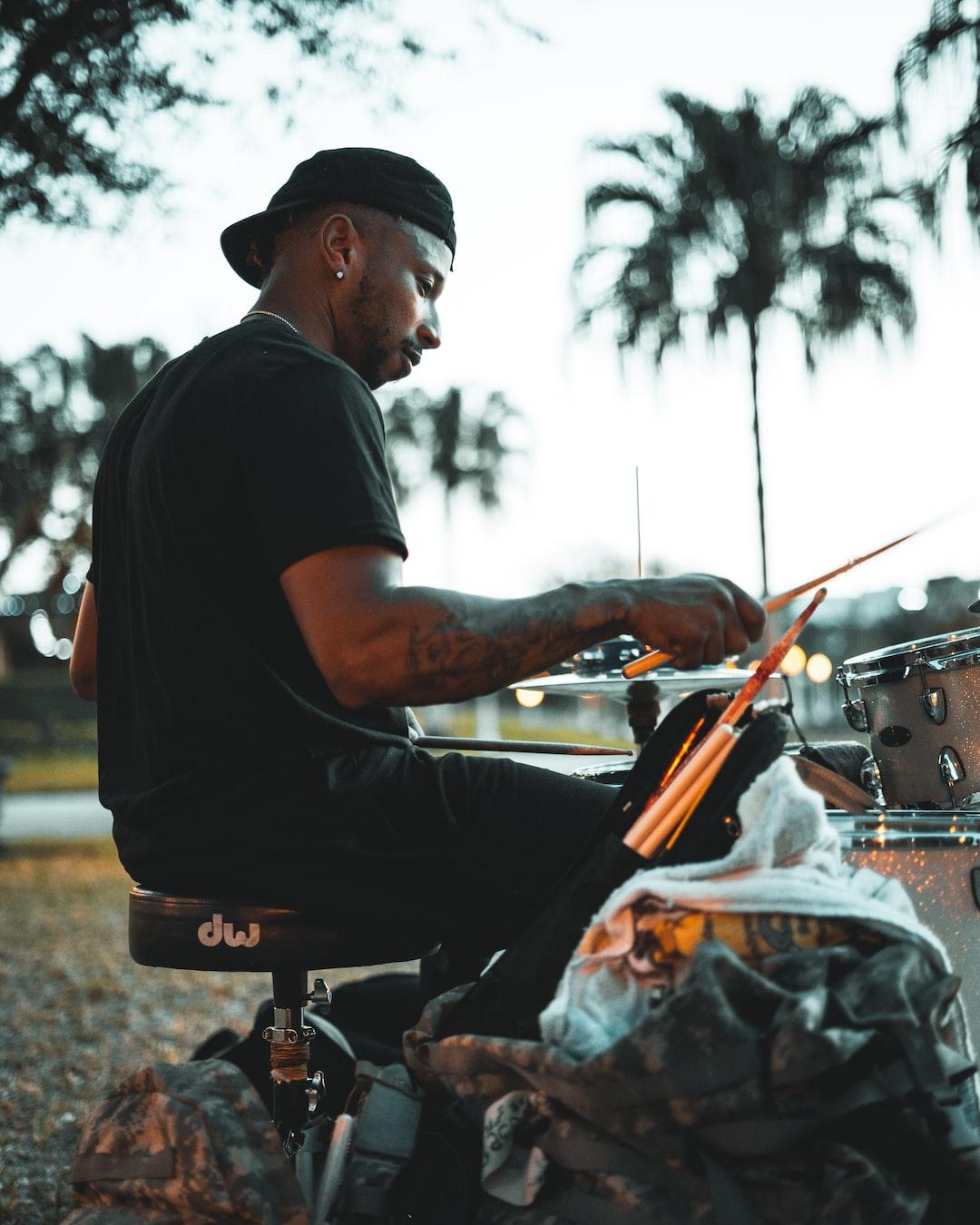Street Drummer 3