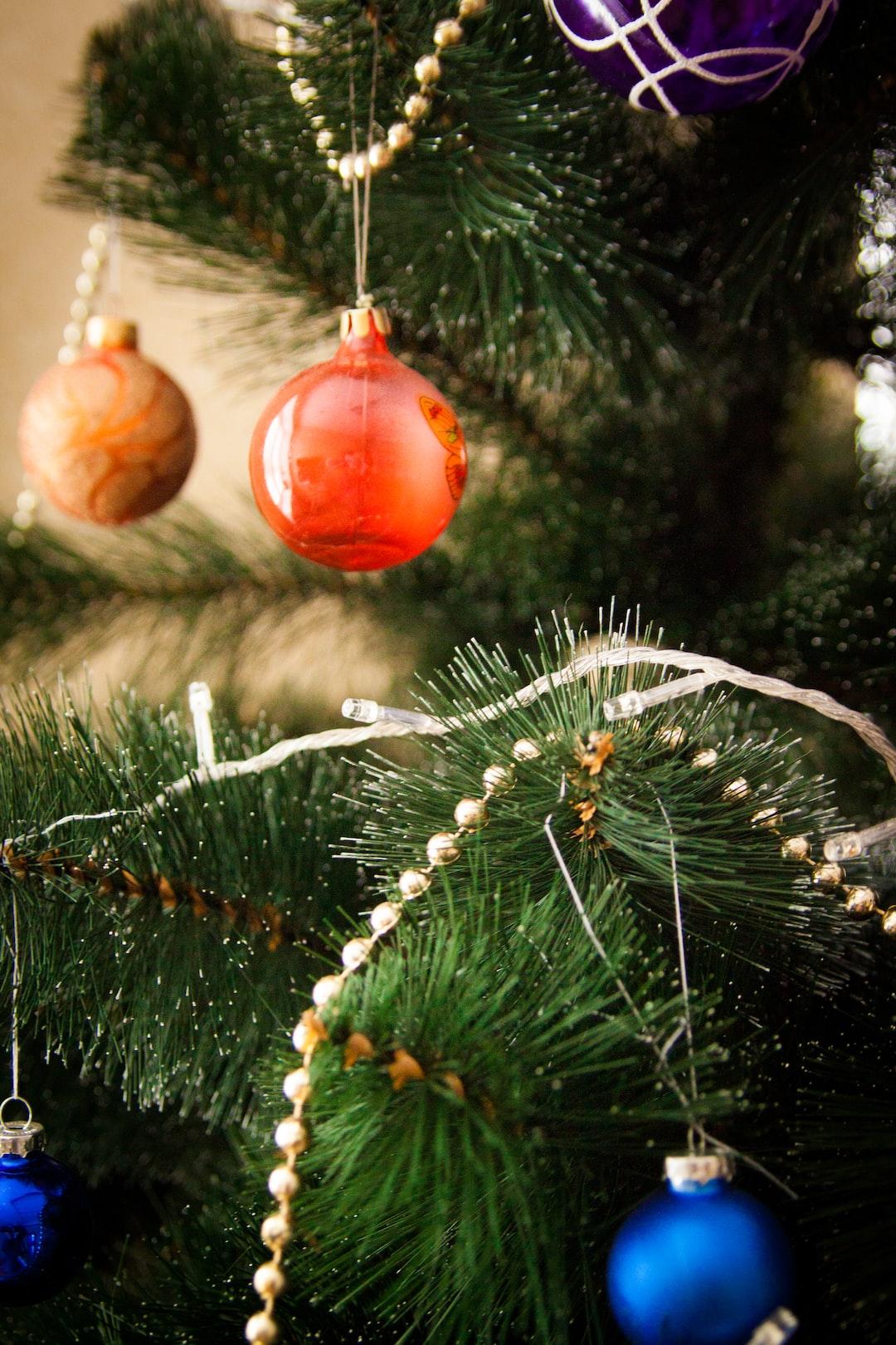 Christmas tree and balls