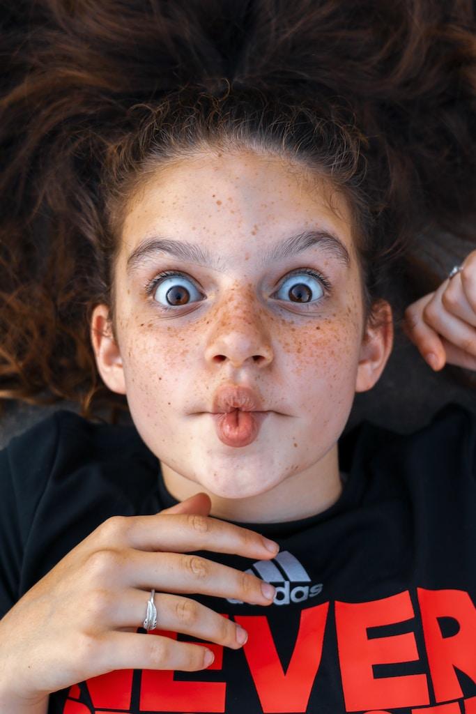 6 טריקים שיגרמו לעיניים שלך להיראות גדולות יותר