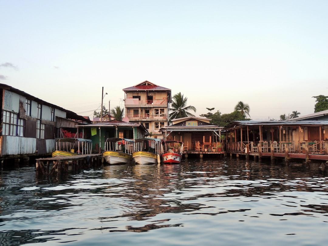 Amanecer en Bocas del Toro, Panamá.