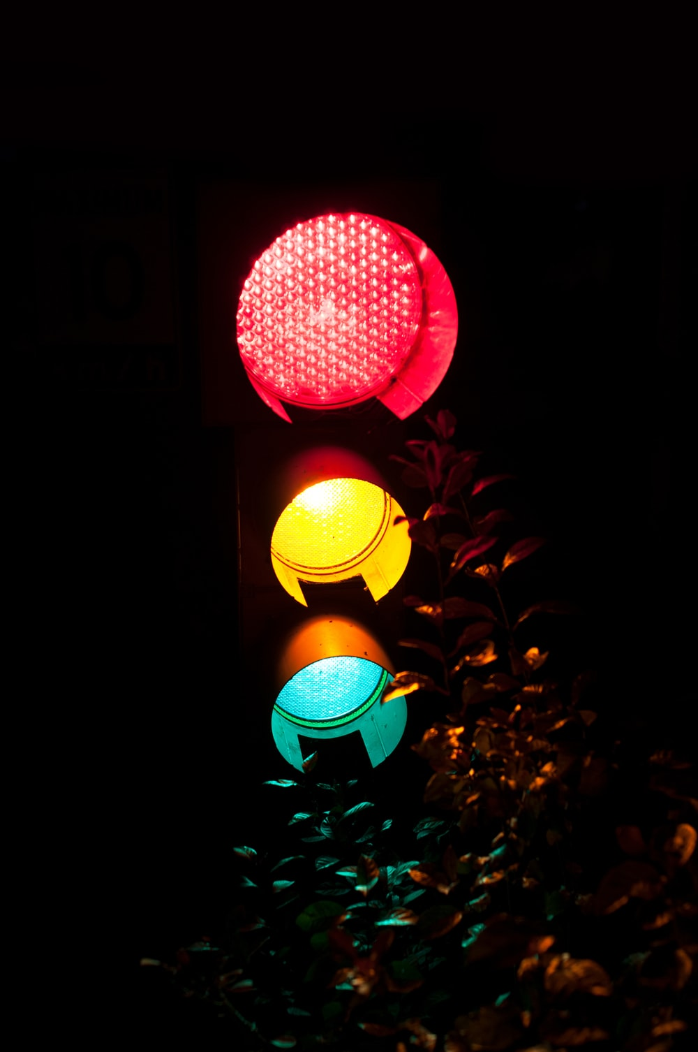 red green and yellow light