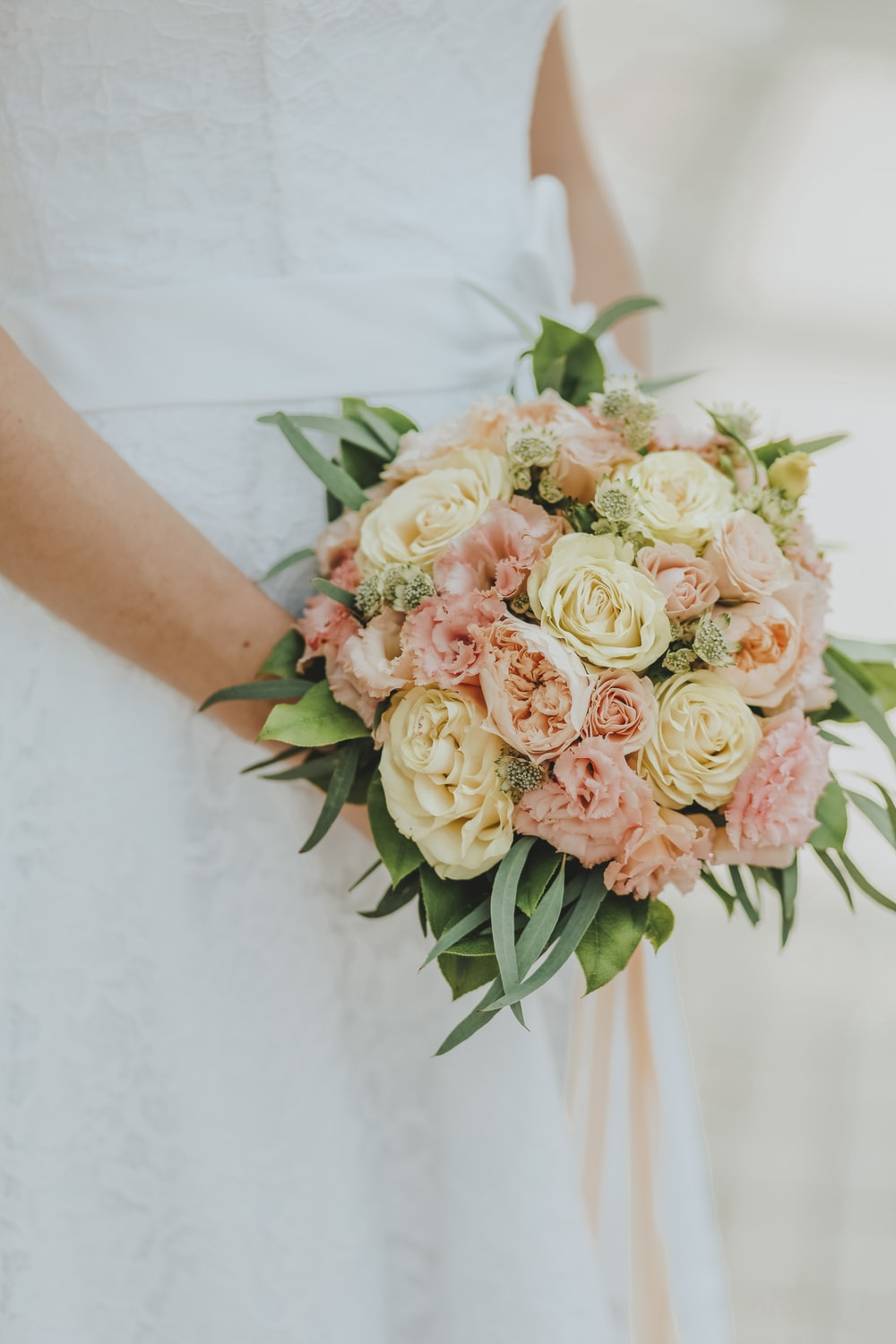 pink and white flower bouquet