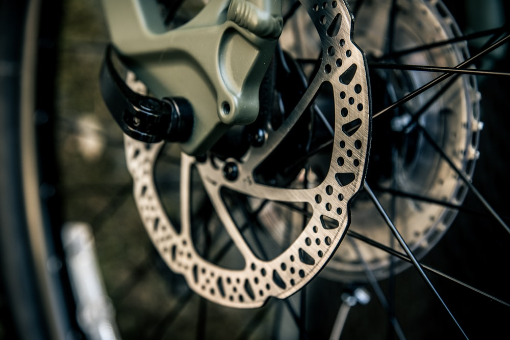 gray and black bicycle wheel