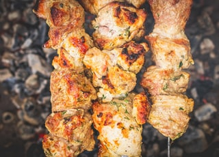 grilled meat with white sauce