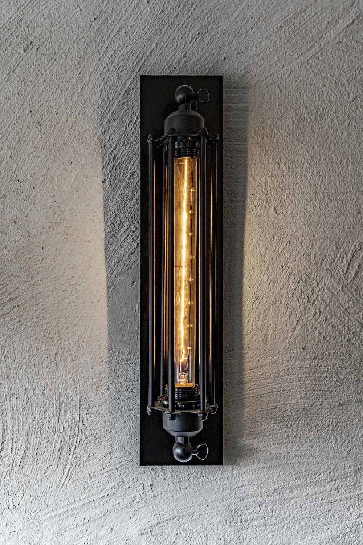 black and silver tube type vape