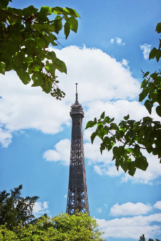 eiffel tower under blue sky