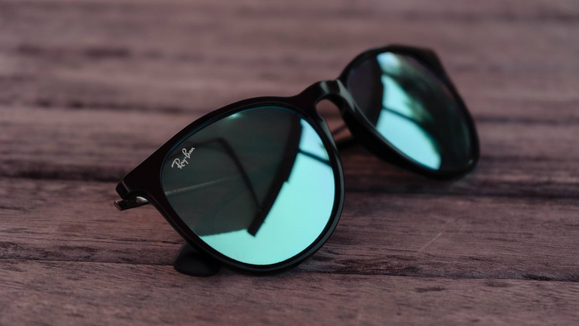 Следующим устройством Facebook станут «умные очки» Ray-Ban. С рекламой