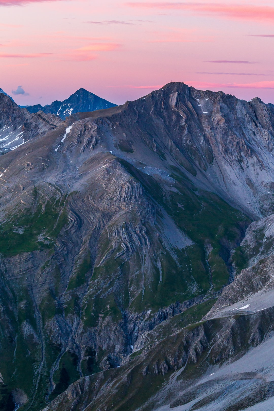 Great display of the immense power of nature. Amazing geology on Chrachenhorn, enlighted by the setting sun and the light spectacle afterwards. Always a fantastic mountain scenery.