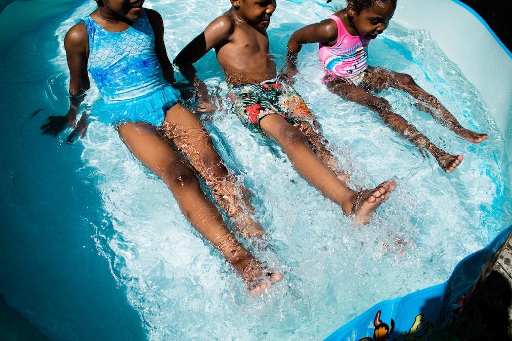 3 women in swimming pool