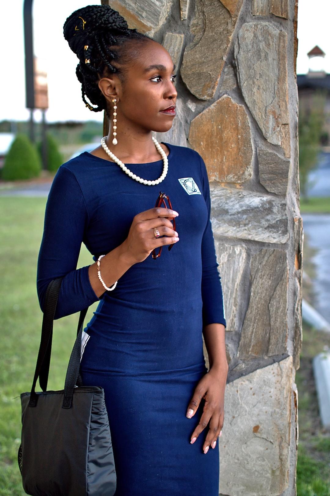 VaVichi Queen Shonoda McMillian in VaVichi Exquisitely Refined 3/4 sleeve Dress