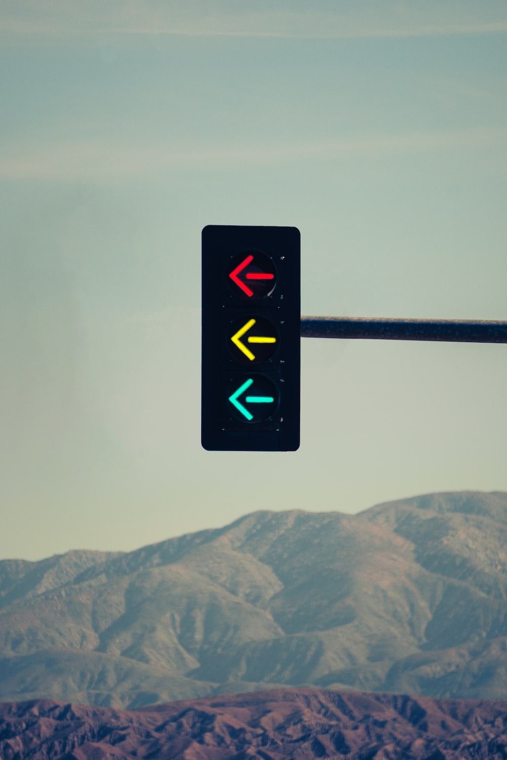 black and red traffic light
