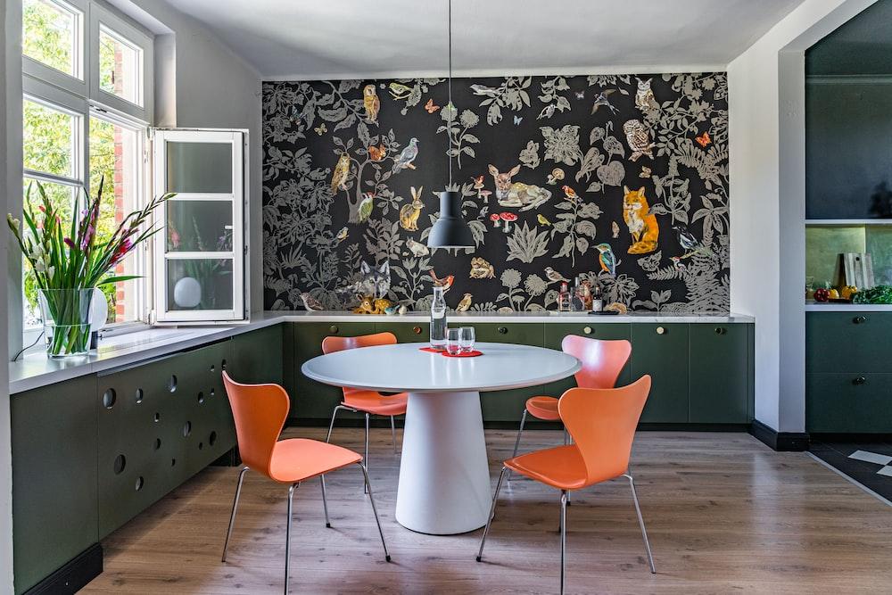 Small Dining Room Decor Ideas 2020 & 2021