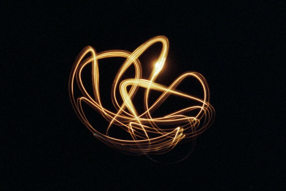 white and yellow light streaks