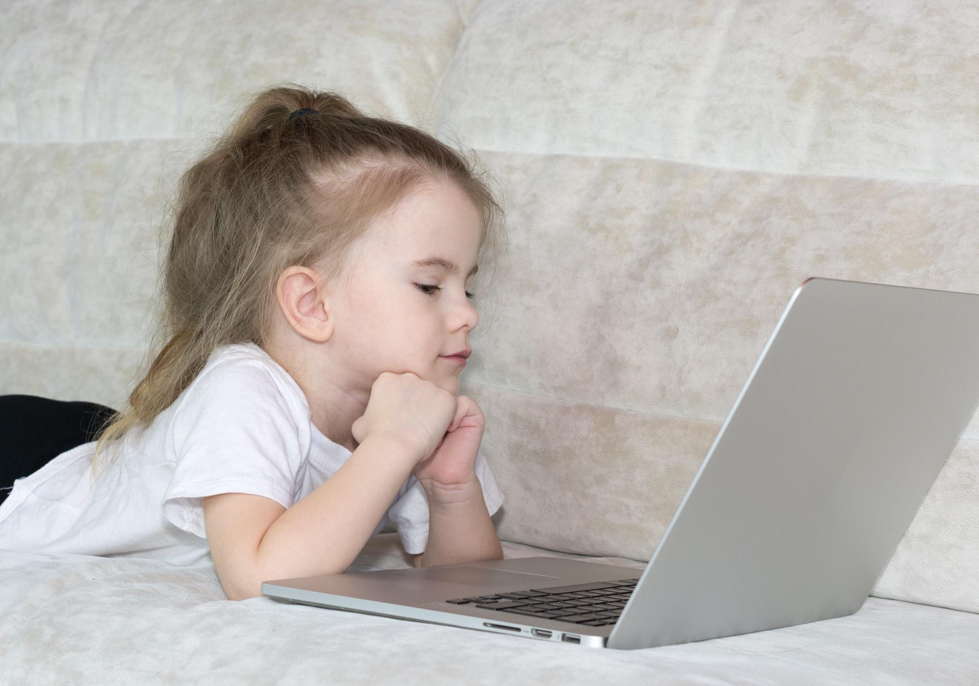 Como ter controle sobre os filhos na internet? (Podcast)