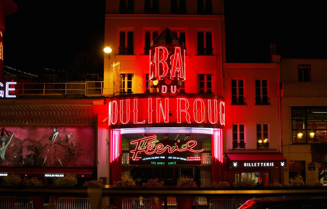 The iconic Moulin Rouge.
