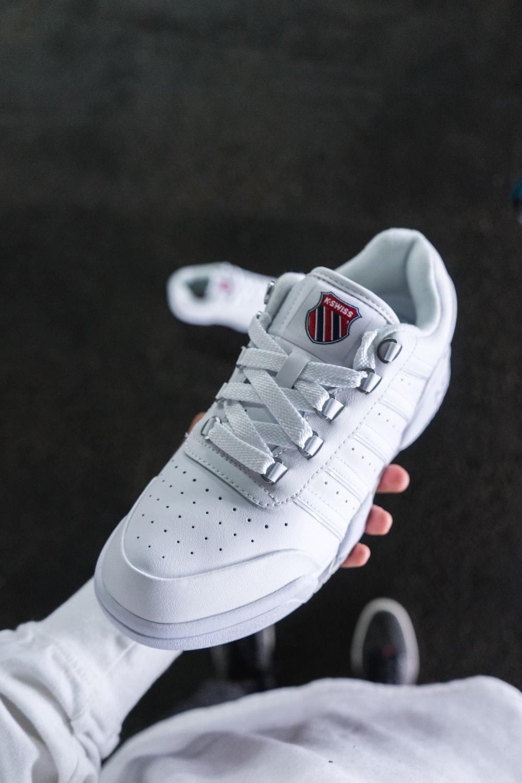 white and gray nike air max