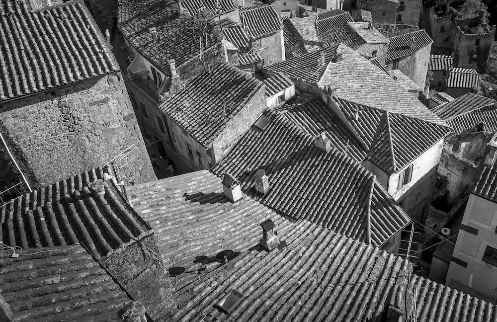 brown brick roof during daytime