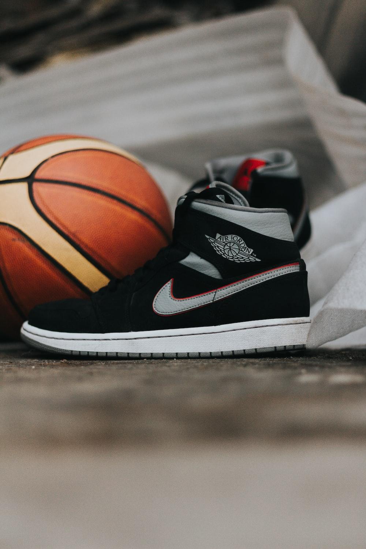 black and white nike basketball shoes