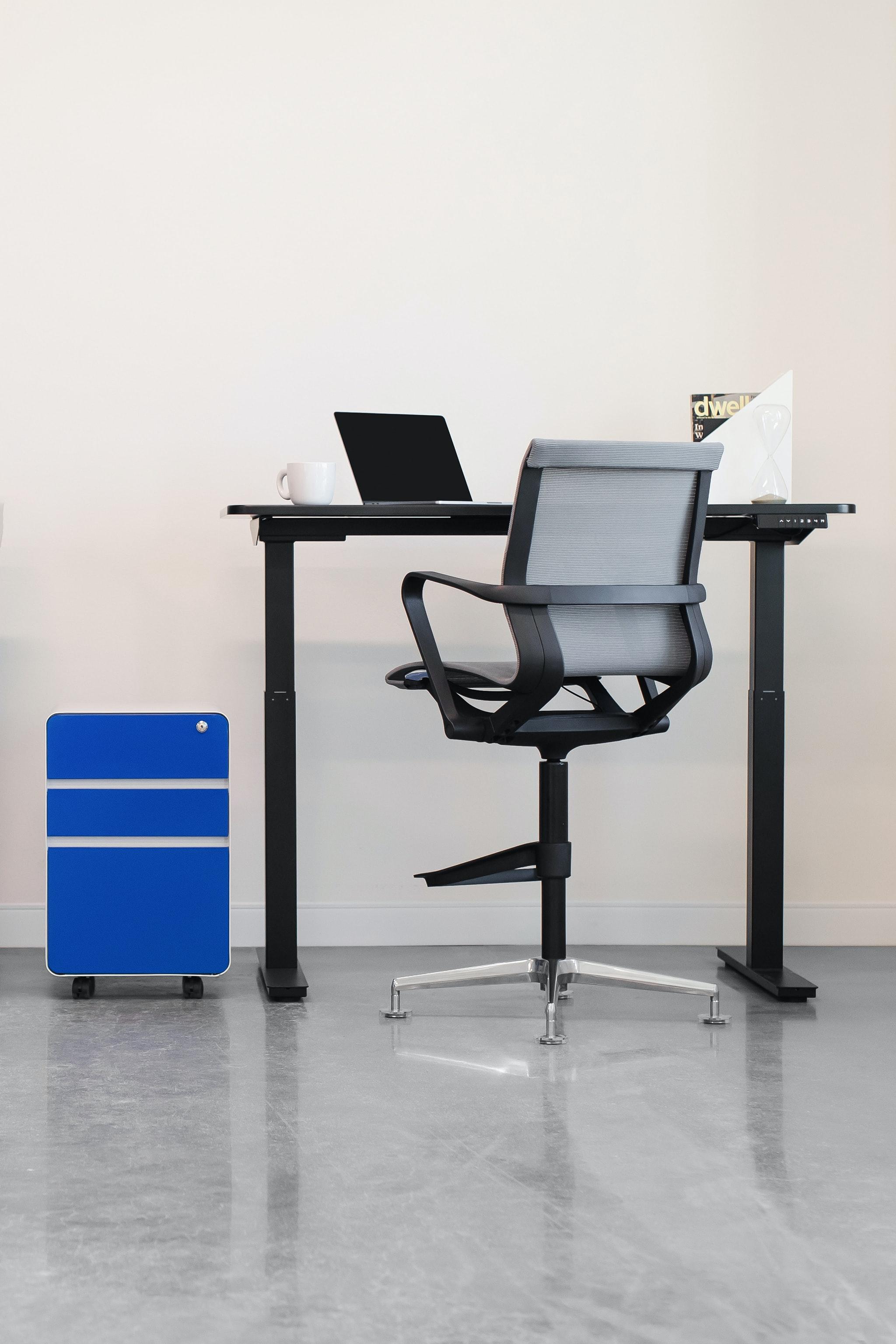 Empty Desk Pictures Download Free Images On Unsplash