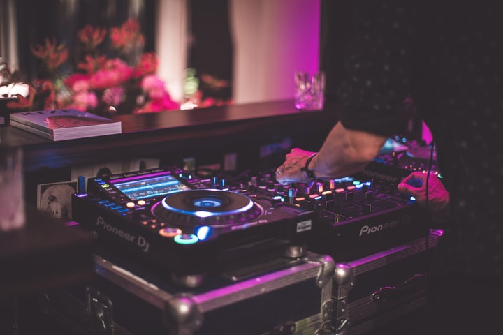 Know About The Vital Components Of A Successful Wedding DJ Setup
