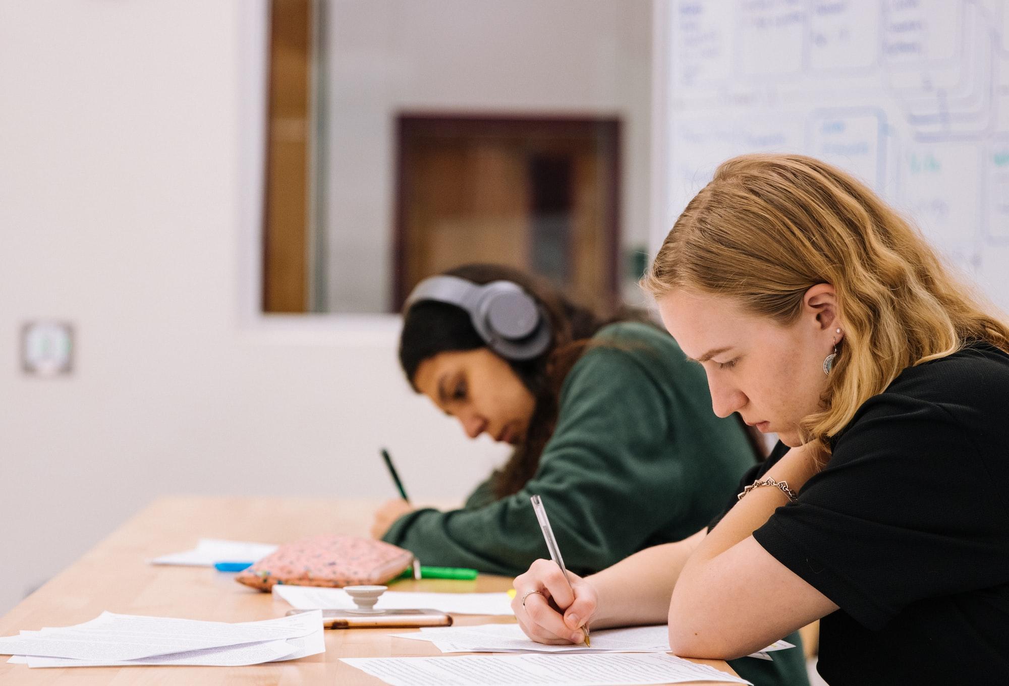 卑诗重启计划:专上教育将恢复面授学习