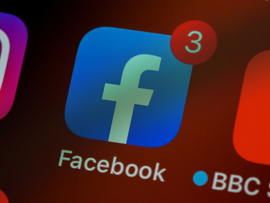 iphone, ios, home screen, close up, pixels, retina, smartphone, icon, facebook