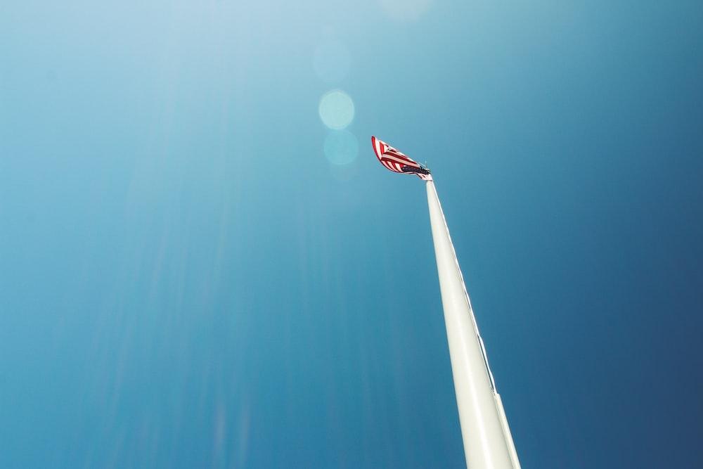 flag of us a on pole