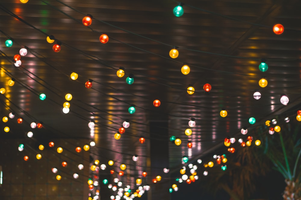 yellow and white string lights
