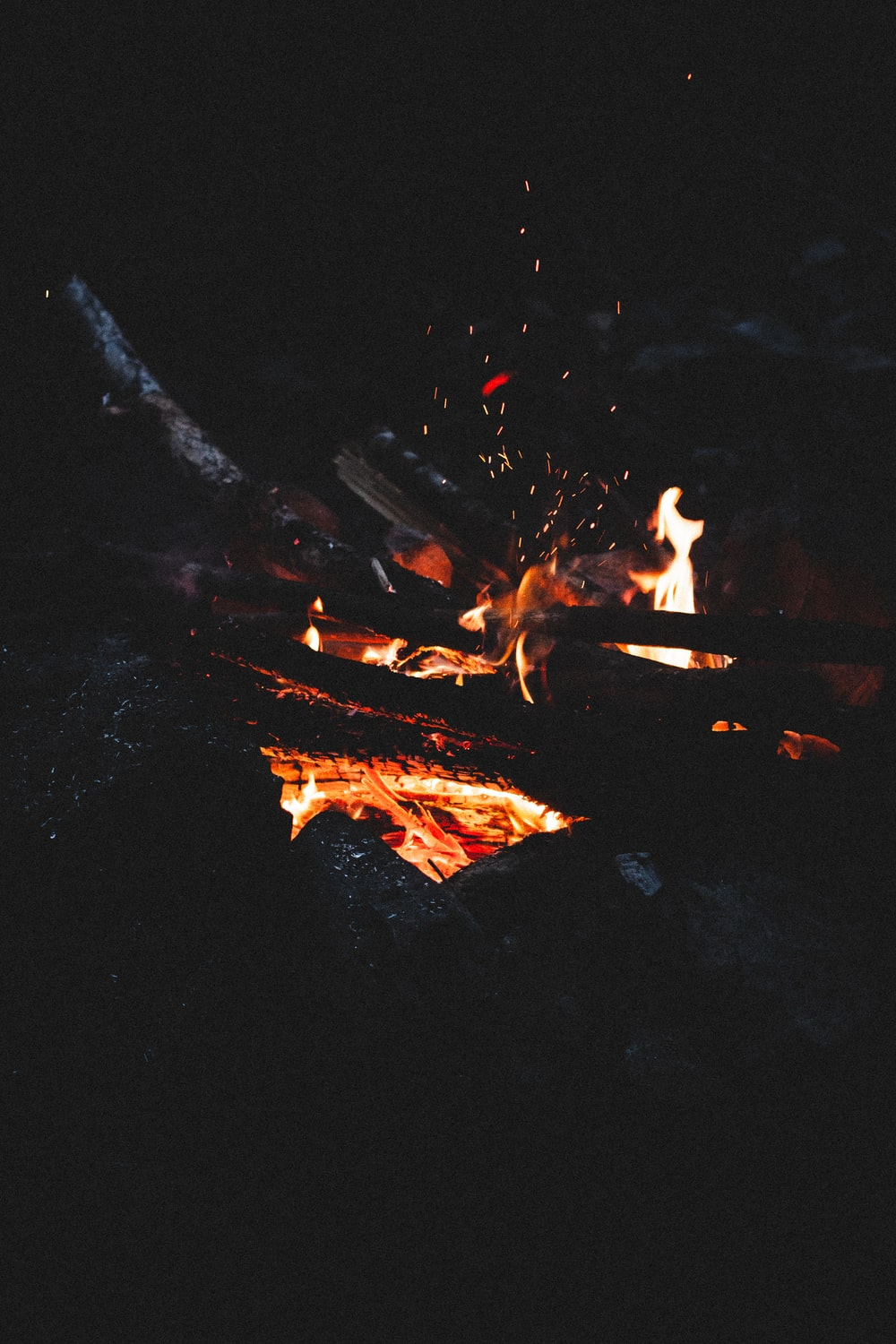 Embers Pictures Download Free Images Stock Photos On Unsplash