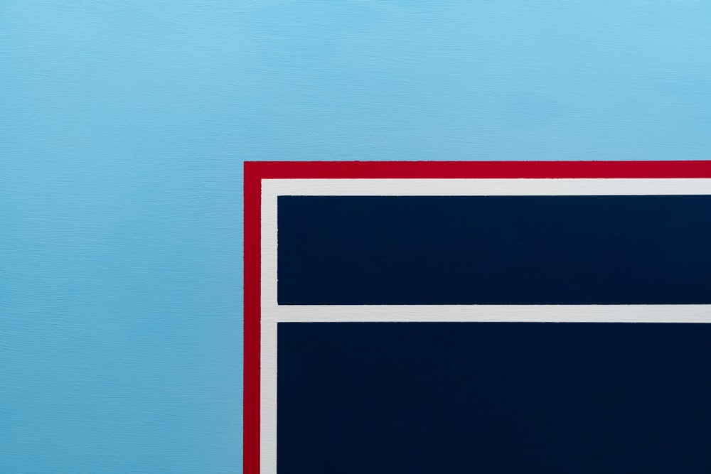 red white and blue striped flag