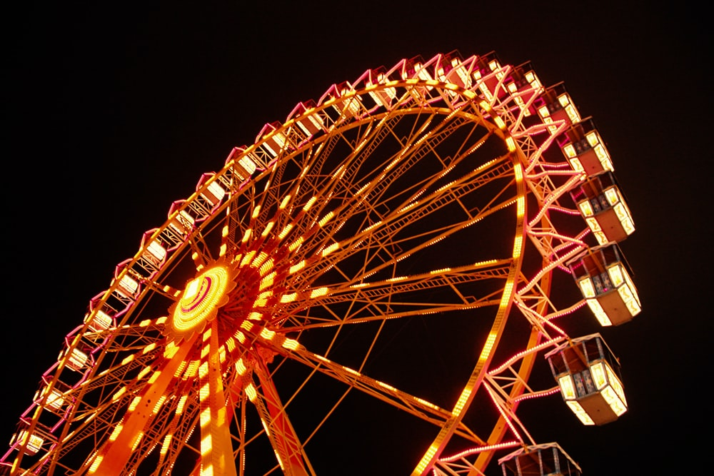 yellow and red ferris wheel