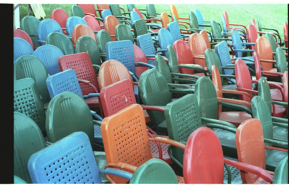 red and blue plastic chairs