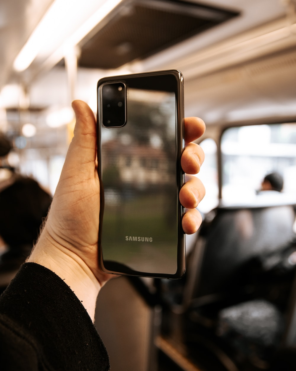 Perbandingan iPhone 12 Pro vs Samsung Galaxy S20 Ultra Camera