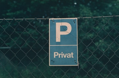 Private parking lot. Made with Leica R7 (Year: 1994) and Leica Summilux-R 1.4 50mm (Year: 1983). Homemade analog scan. Fujicolor Provia 400 (expired 2007)