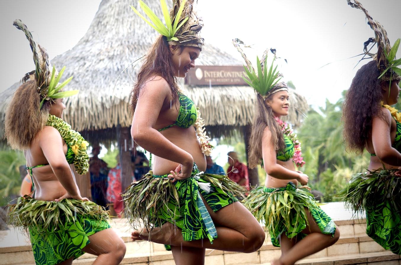 Polynésie - Danse - Tradition - SchoolMouv - Géographie - CM1