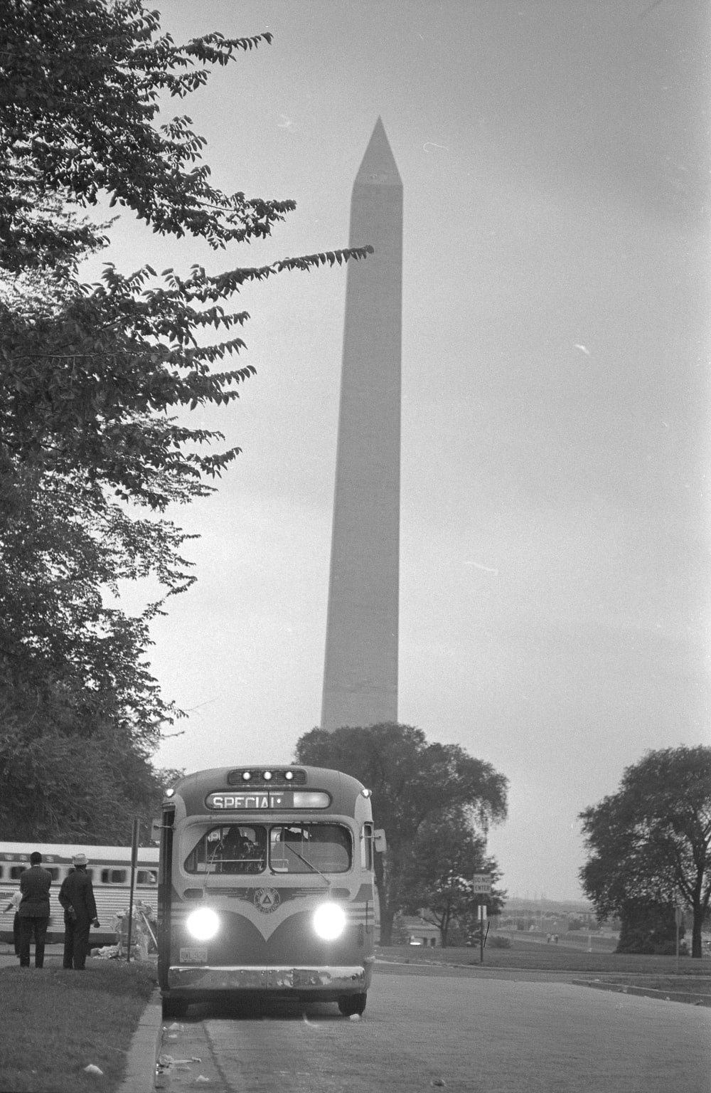 Bus leaving near the Washington Monument, after the March on Washington