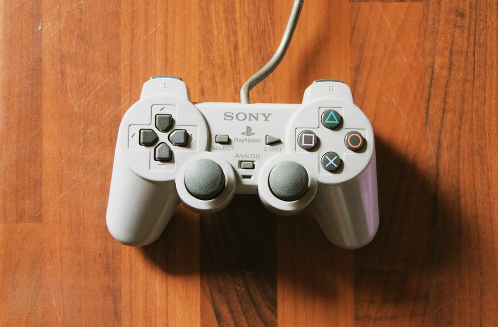 gray sony ps 4 controller