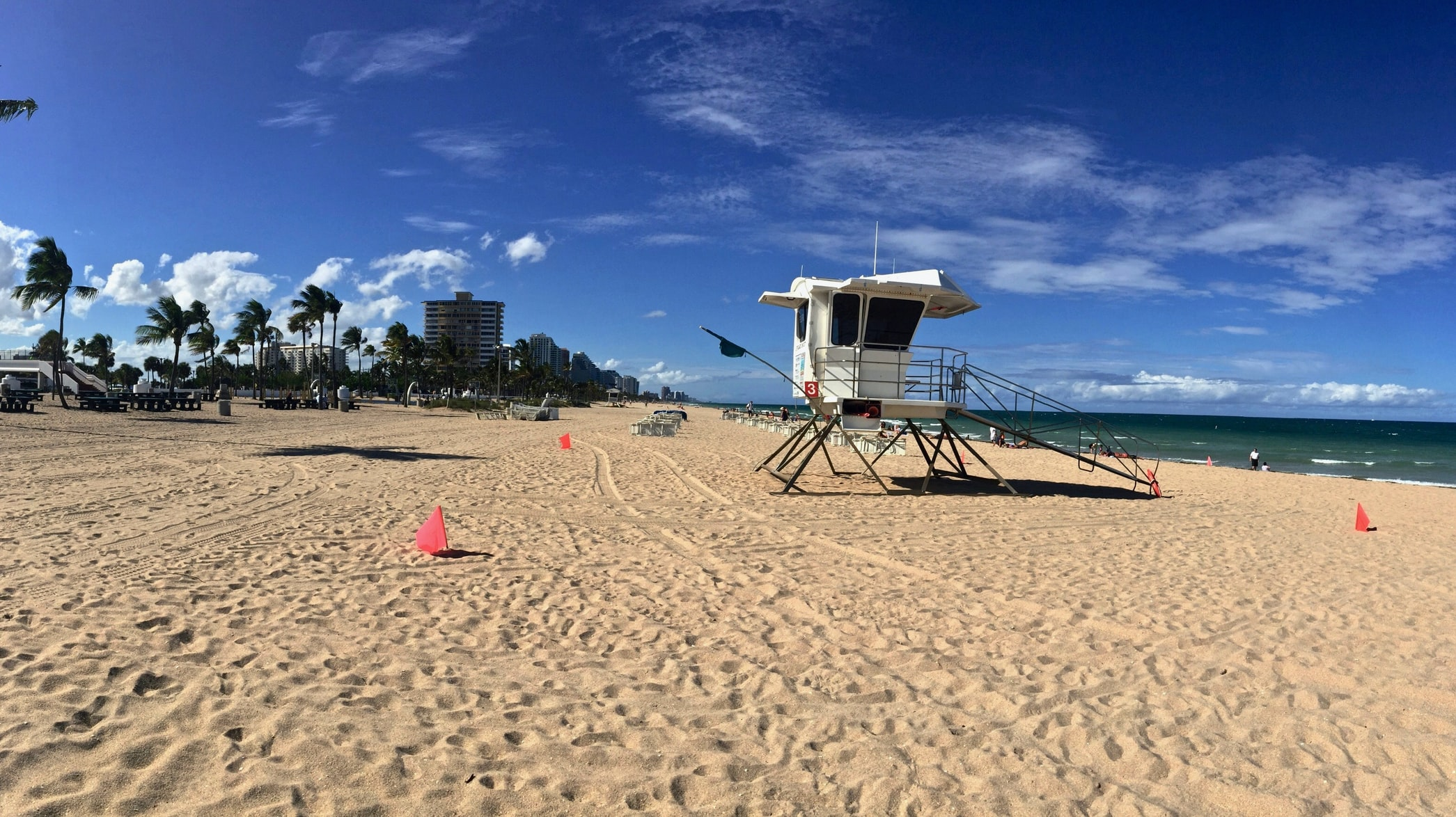 sandy beach in Fort Lauderdale, FL