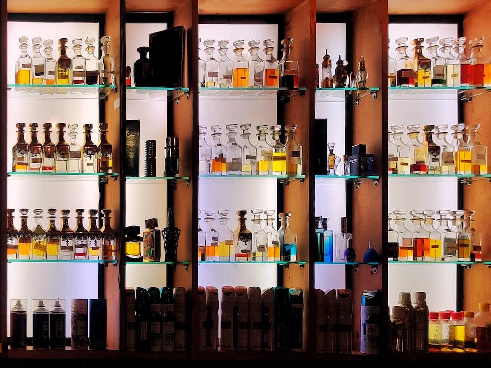 açık parfüm standı