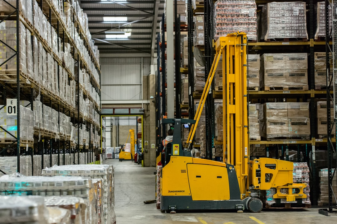 Choosing the Best Forklift for Your Lumber Yard